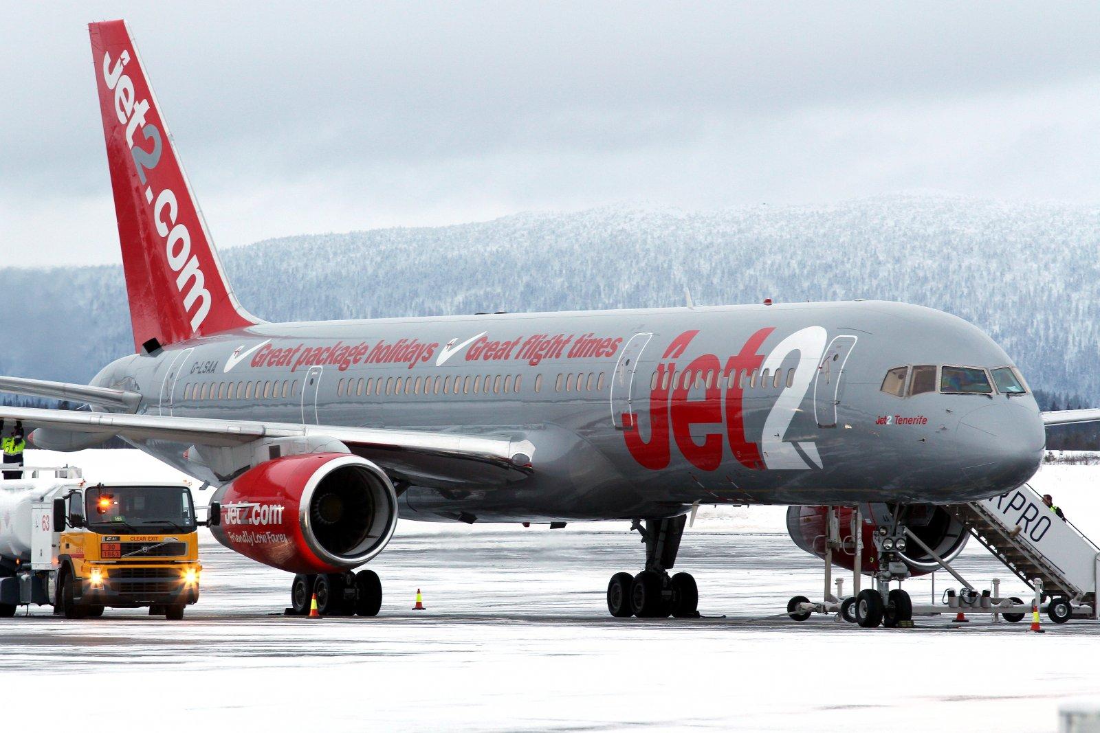 26.11 G-LSAA Jet2 Boeing 757-236