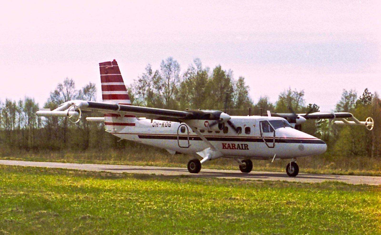 DHC-6 Series 300 OH-KOG EFHN 1995-06