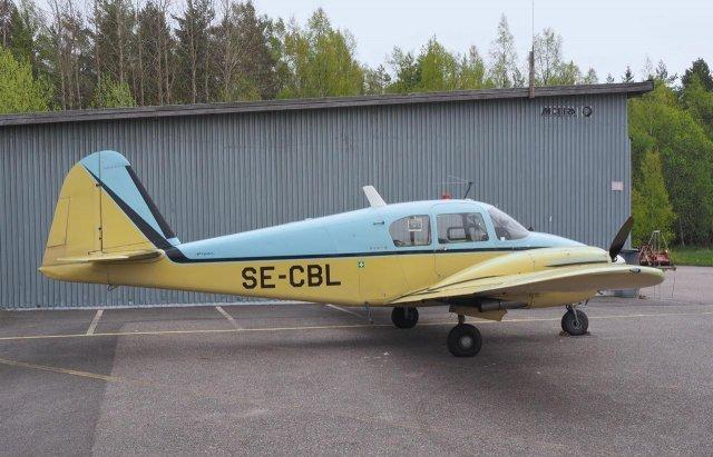 Piper PA-23-150 Apache C SE-CBL EFHN 2015-05-25