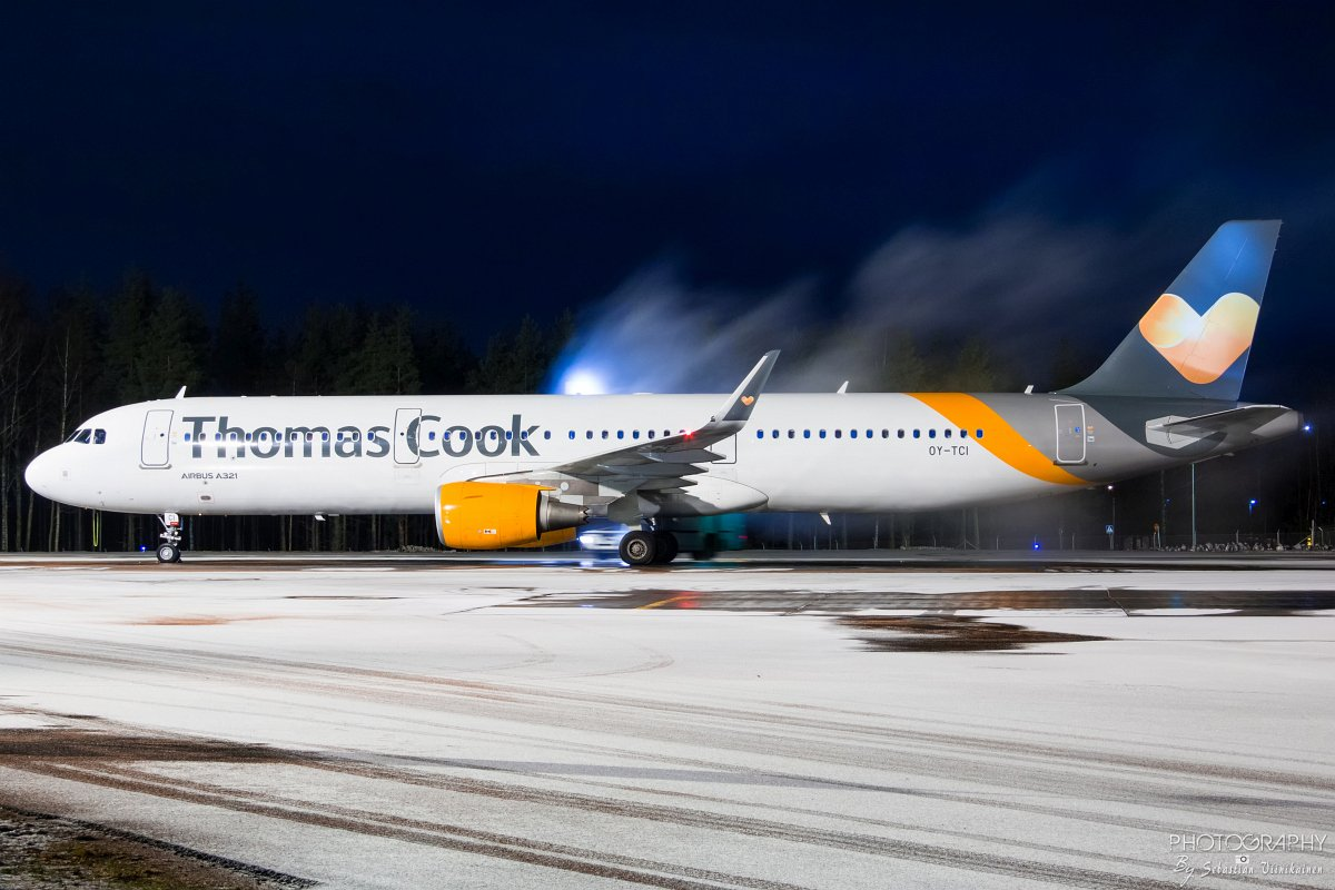 OY-TCI Thomas Cook Airlines Scandinavia Airbus A321-200, 25.12.2017