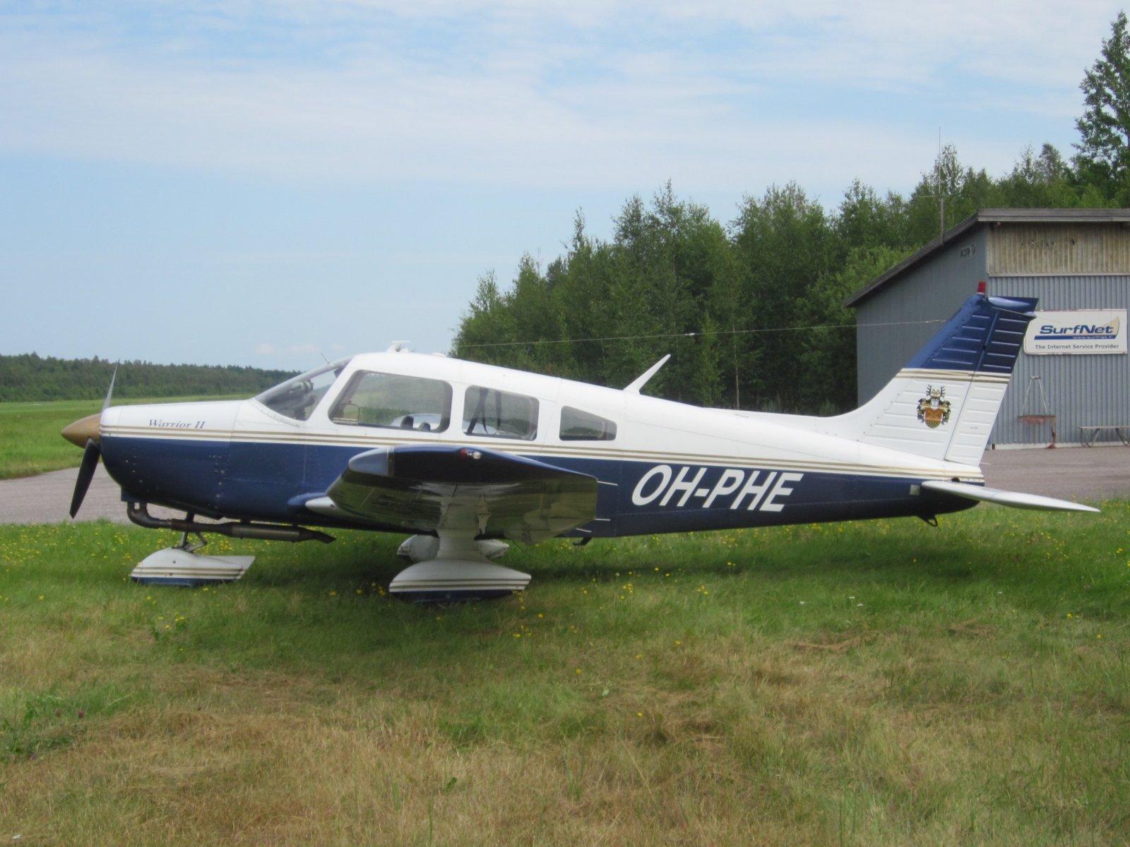 Piper PA-28-161 Warrior II OH-PHE EFHN 2014-07-30