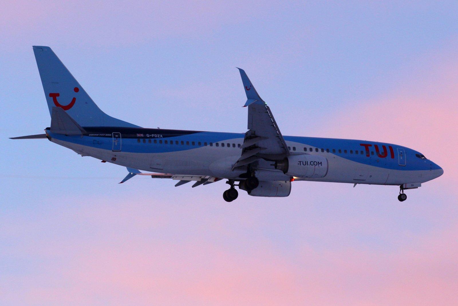 G-FDZA Boeing 737-8K5