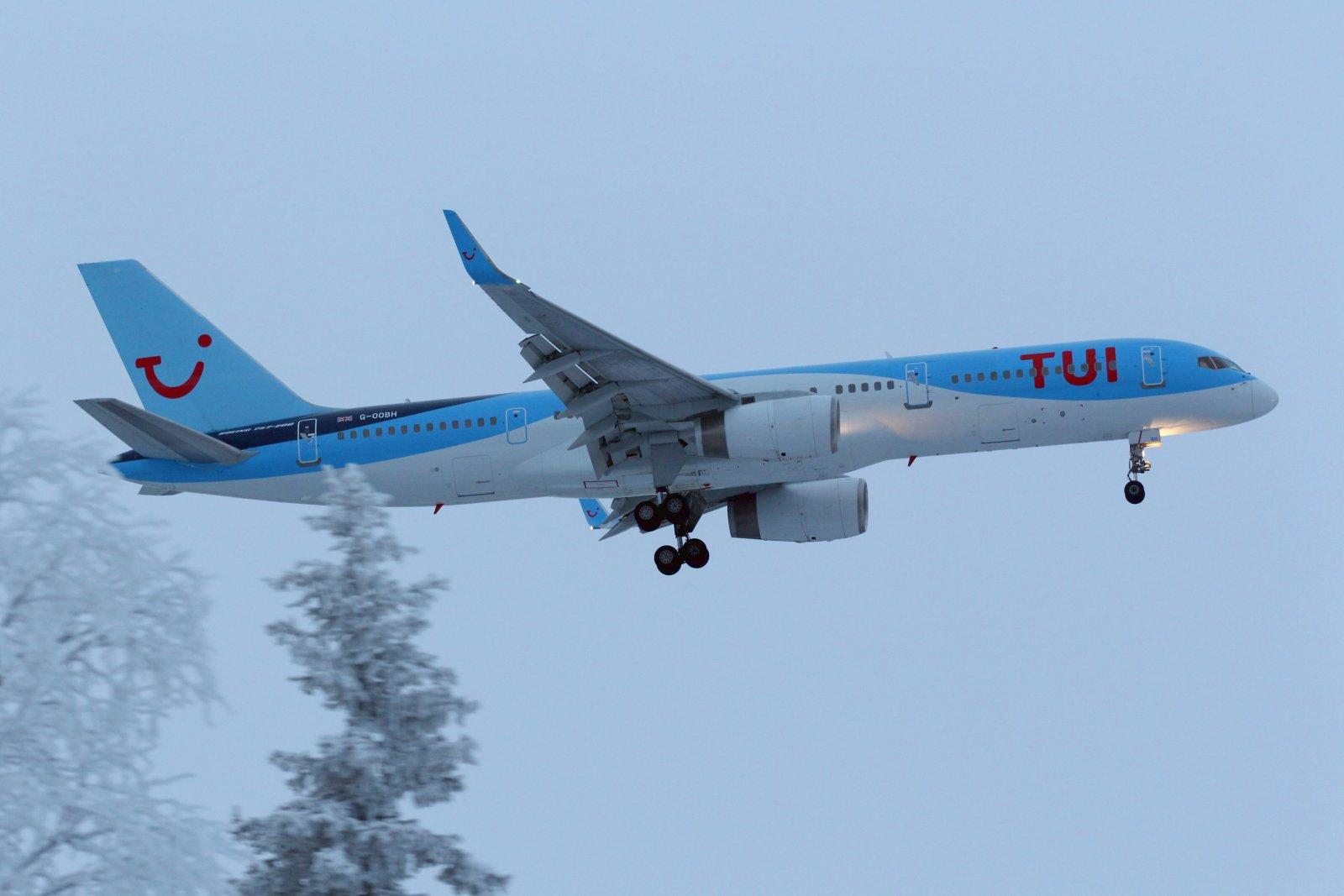 27.12 G-OOBH Boeing 757-236