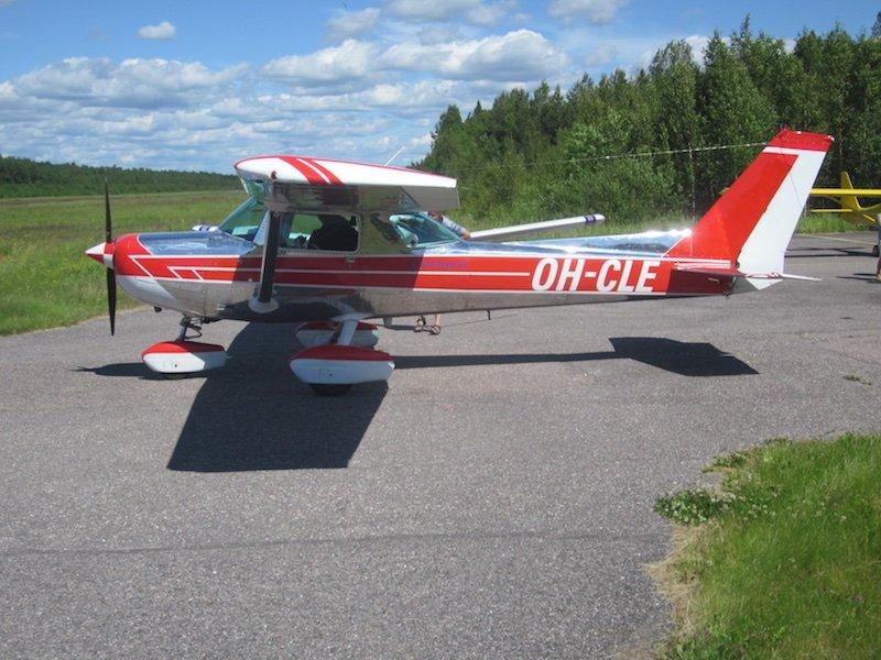Cessna C152 II OH-CLE EFHN 2015-07-05