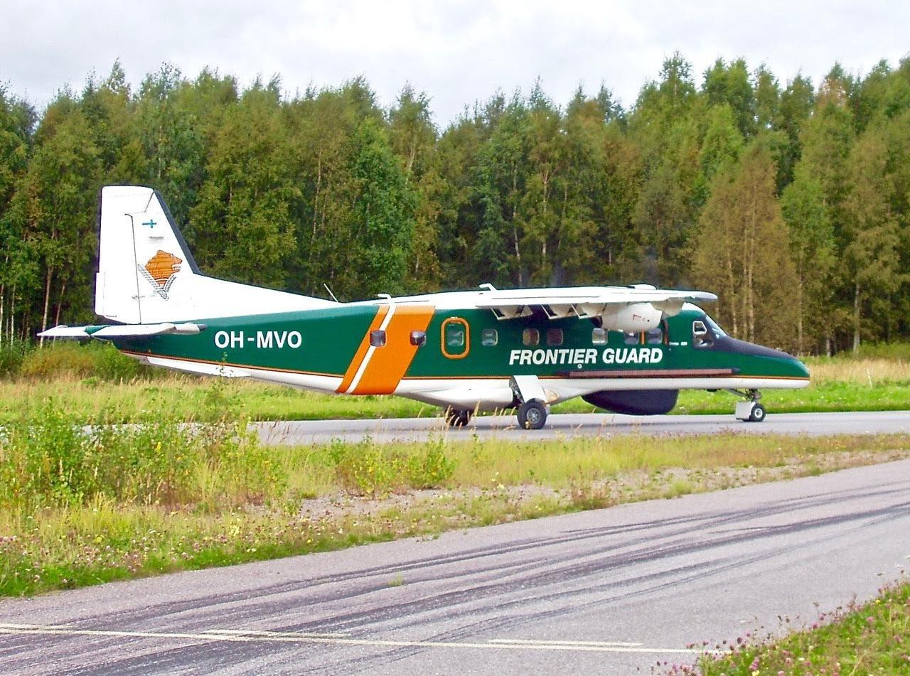Dornier Do 228-212 OH-MVO EFHN 2004-09-09