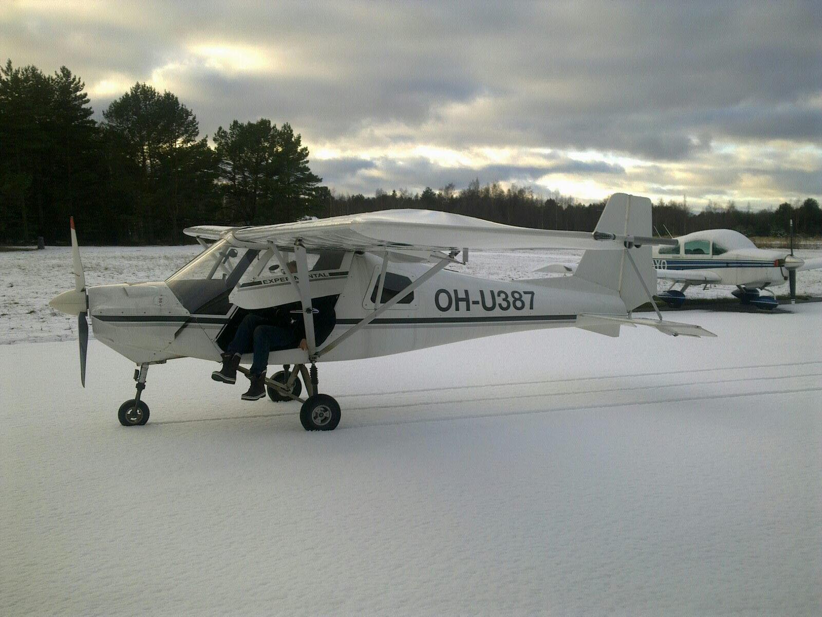 Ikarus C 42 Mod OH-U387 EFHN 2017-12-06