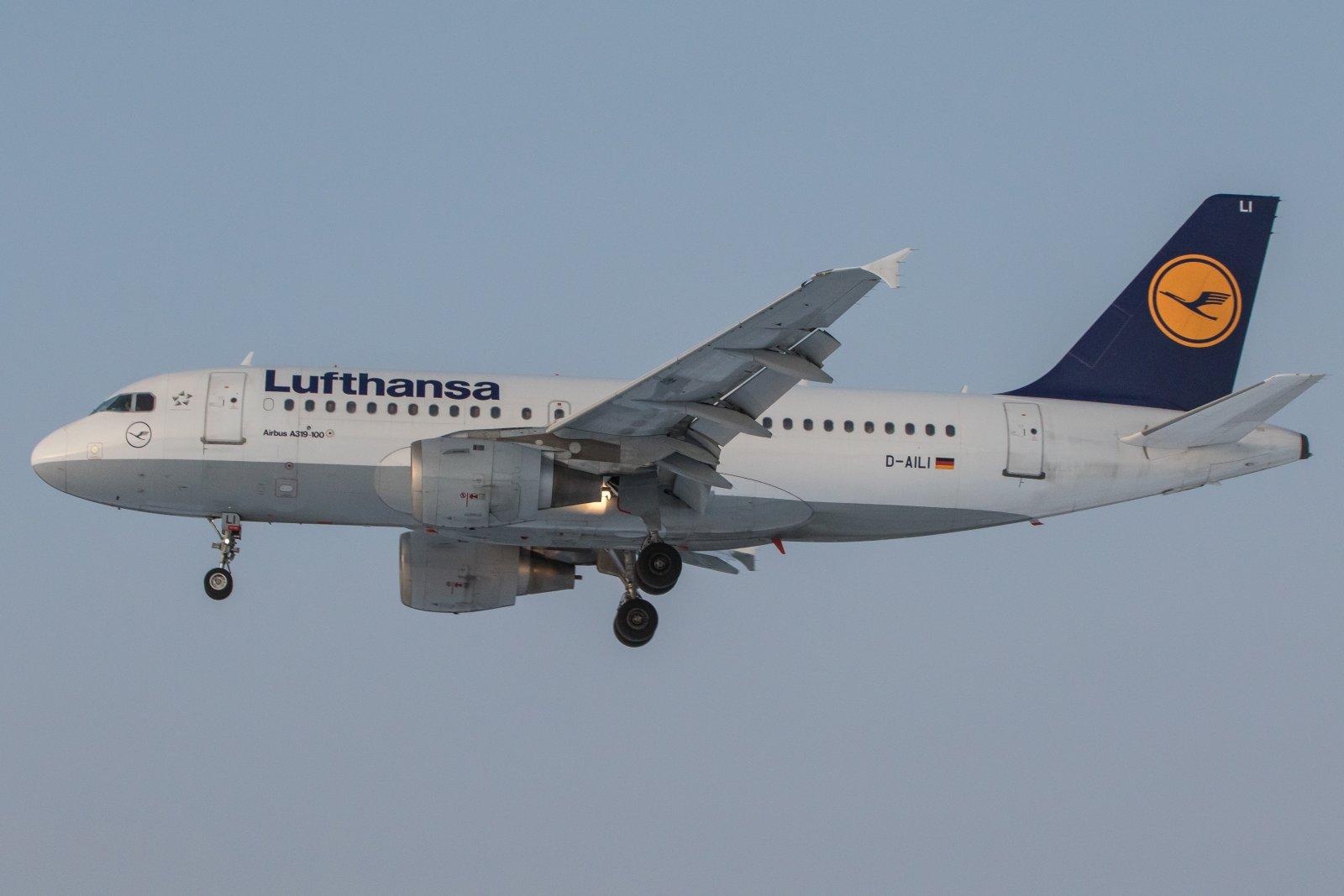 D-AILI. Airbus 319-100