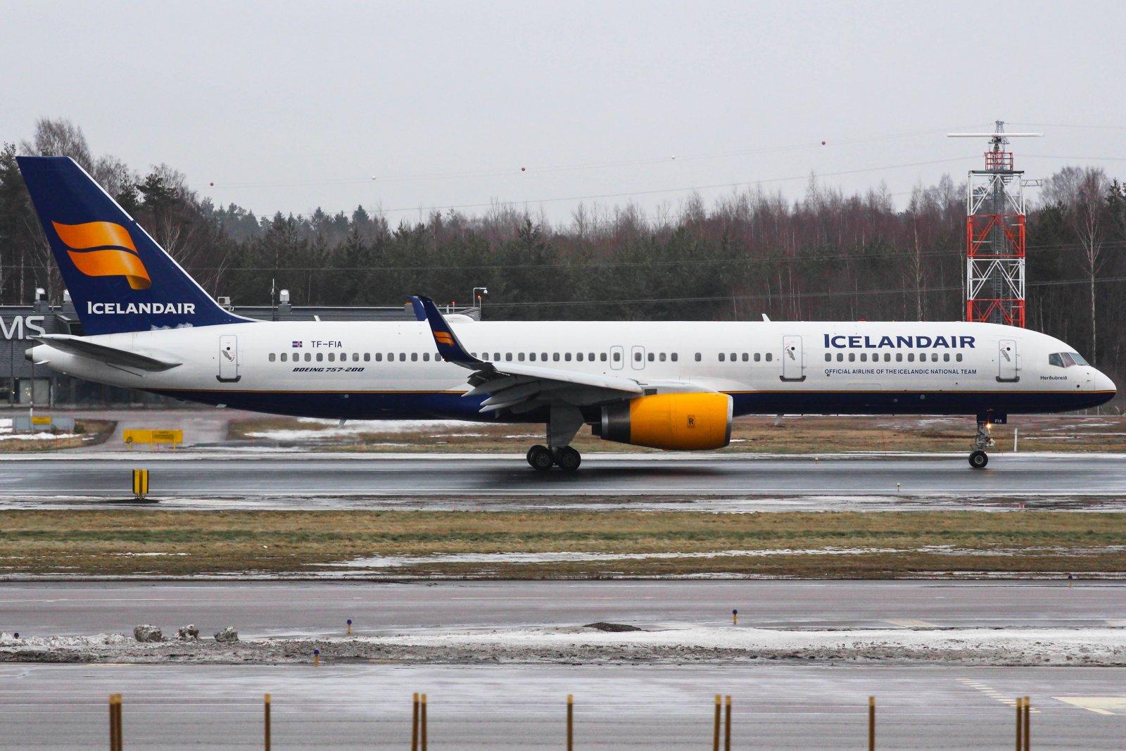 26.1 TF-FIA Boeing 757-256