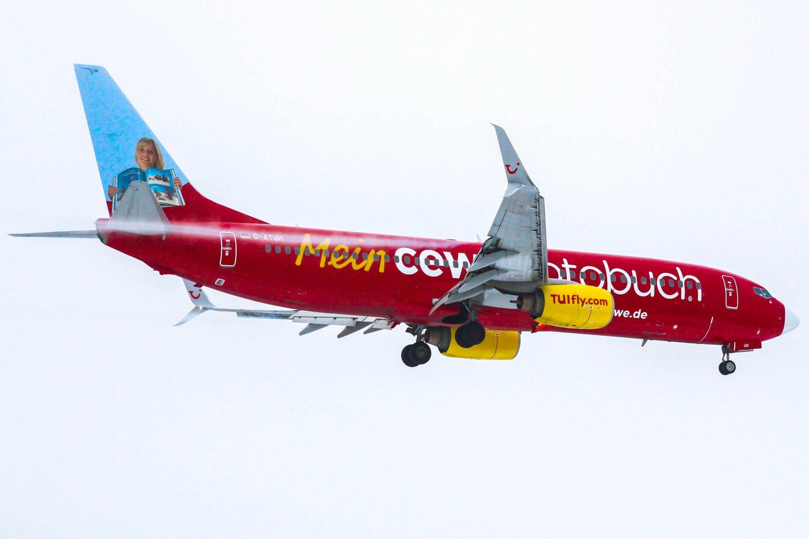 29.1 D-ATUH Boeing 737-8K5