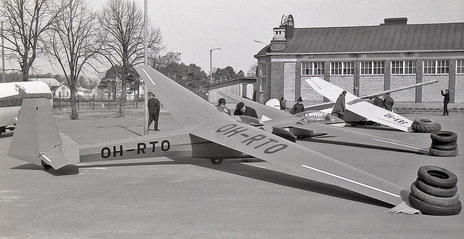 Schleicher K-8B OH-RTO, PIK-16C Vasama OH-VAL & Schleicher Rhönlerche II OH-KRF Hanko 1965-04-27
