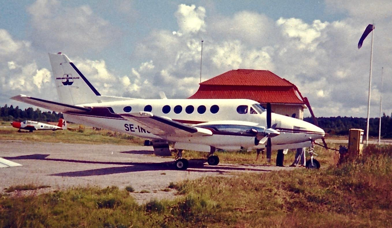 Beechcraft A100 King Air SE-ING EFHN 1980s