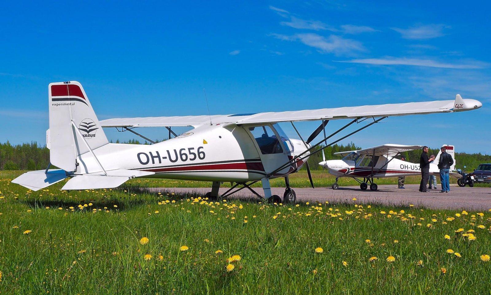 Ikarus C42C OH-U656 & Ikarus C42B OH-U520 EFHN 2015-05-30