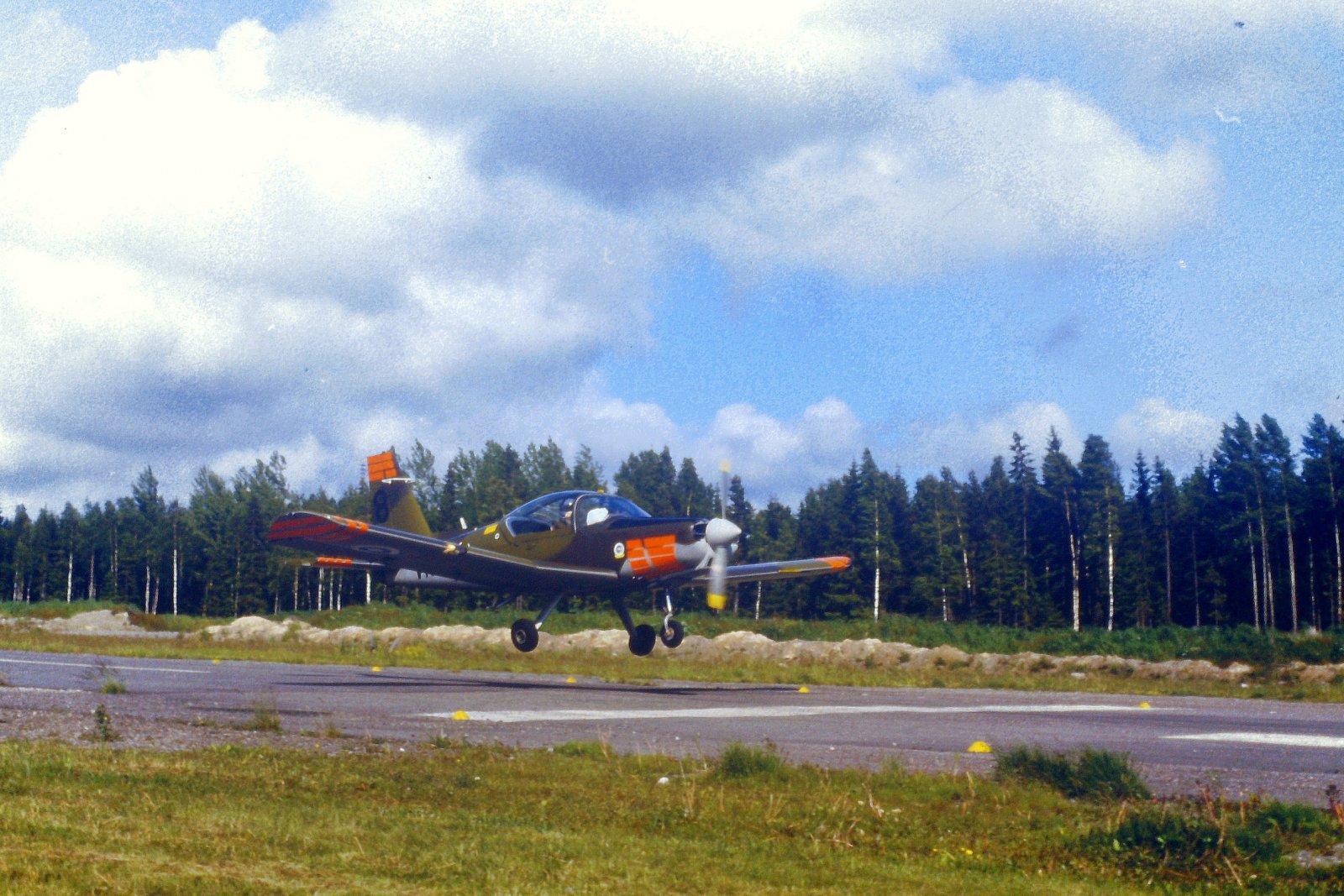 Valmet Vinka VN-8 EFHN 1987-06