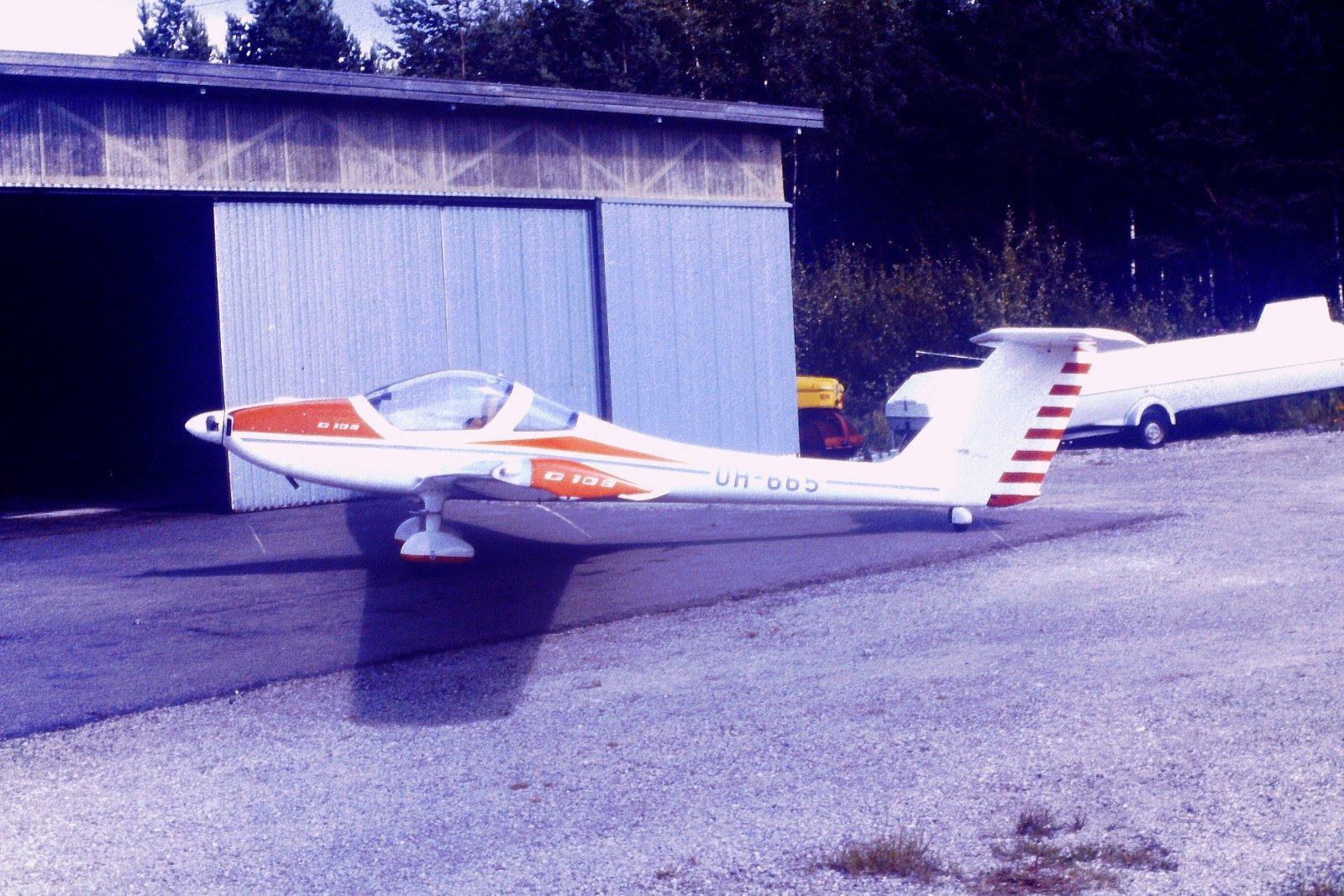 Grob G109 OH-665 EFHN 1984