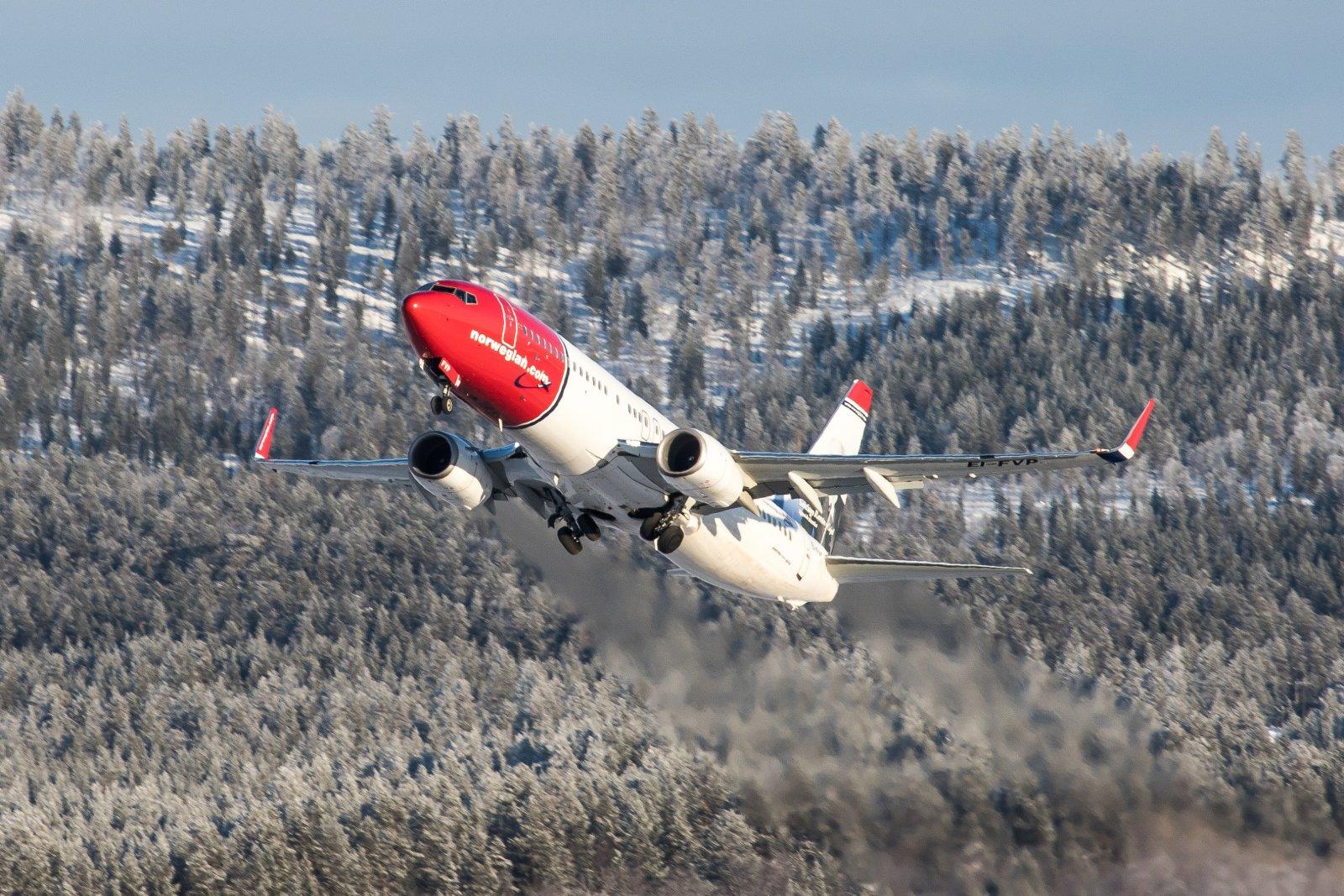 EI-FVP. Boeing 737-8JP