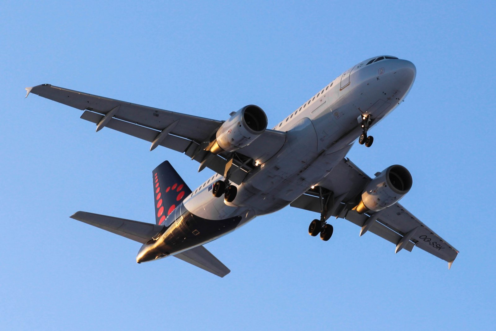 OO-SSK Airbus A319-112