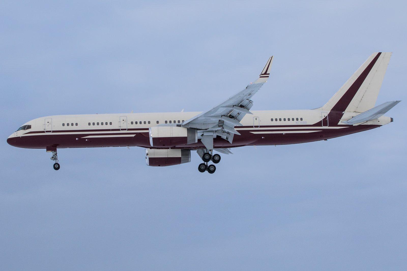 N770BB. Viime viikolla lensi Los Angelesista Ivaloon. Nyt tuli Lontoosta.