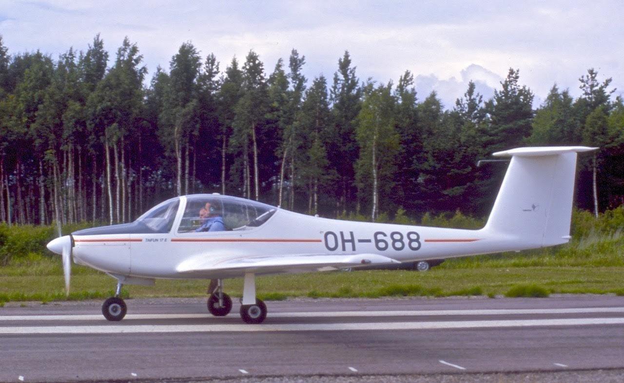 Valentin Taifun 17E OH-688 EFHN 1980s