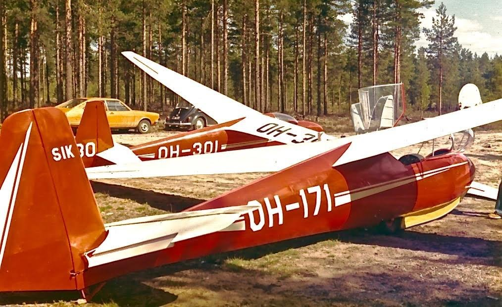 Schleicher Ka-2b OH-171 & Schleicher Ka-6CR OH-301 EFIK 1970-80s