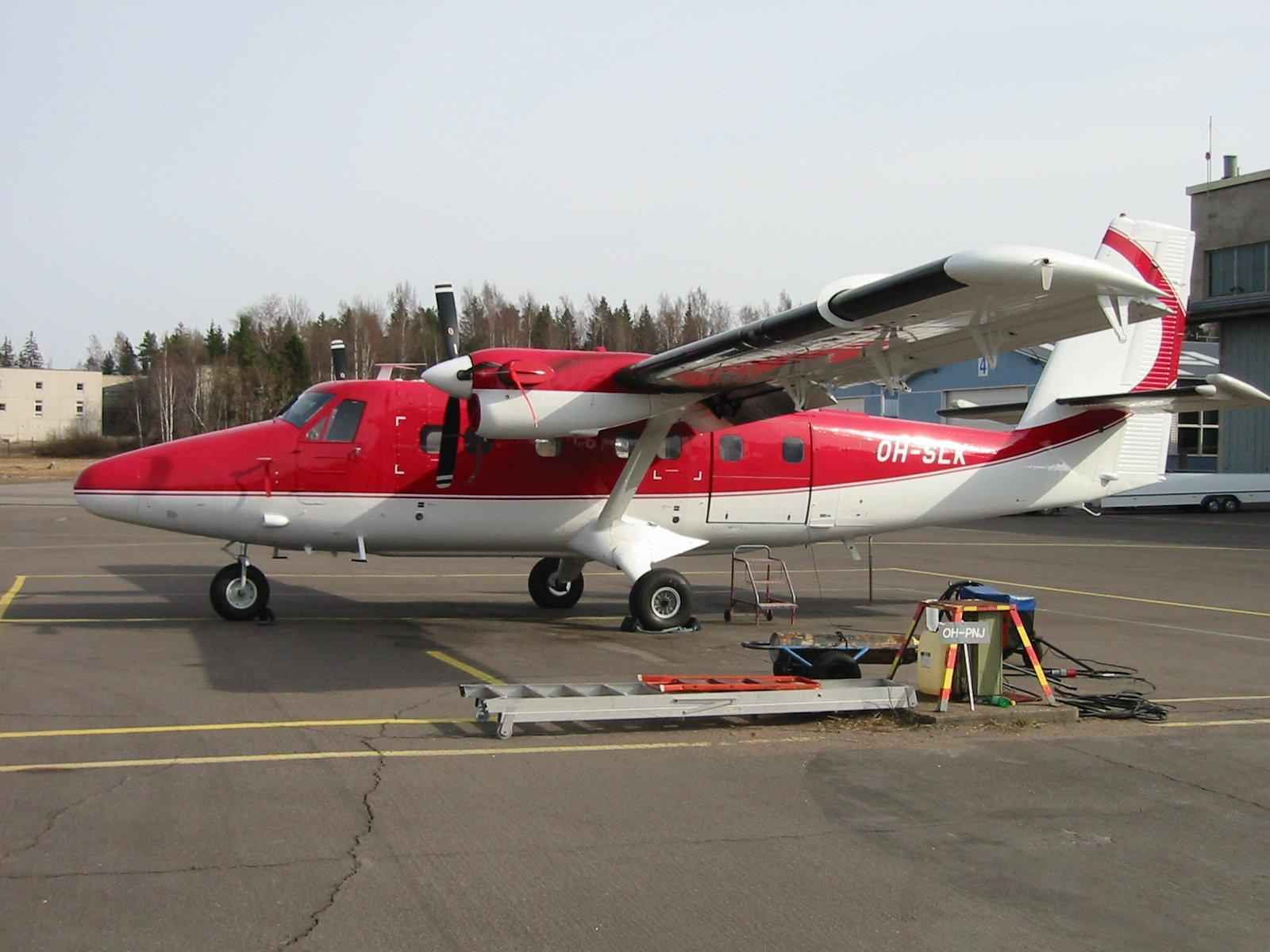 DHC-6-300 Twin Otter OH-SLK EFHF 2003-04-27