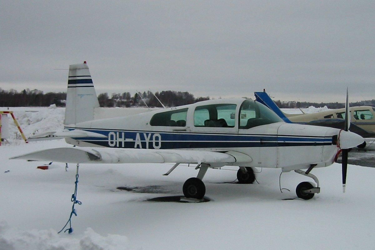 Grumman-American AA-5 Traveler OH-AYO EFHF 2002-11-23