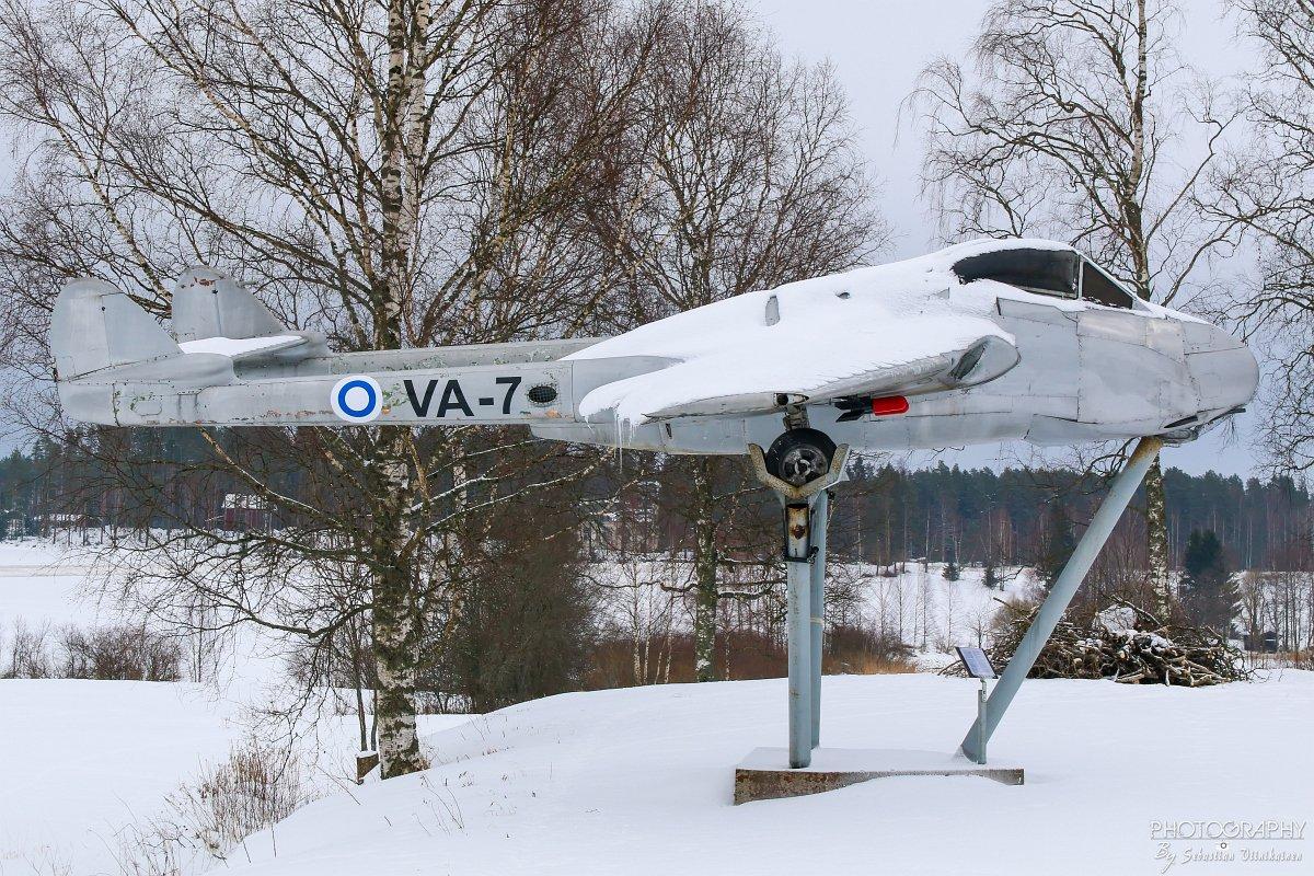 """""""VA-7"""" de Havilland DH 100 Vampire FB.52, Koskue-Jalasjärvi"""