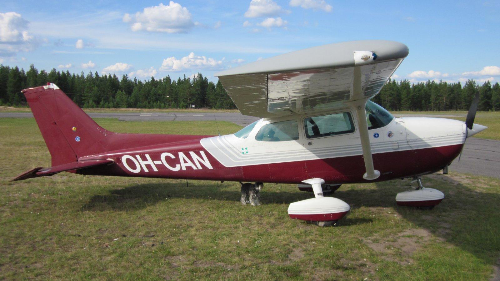 Cessna 172N Skyhawk OH-CAN EFJM 2011-07-20