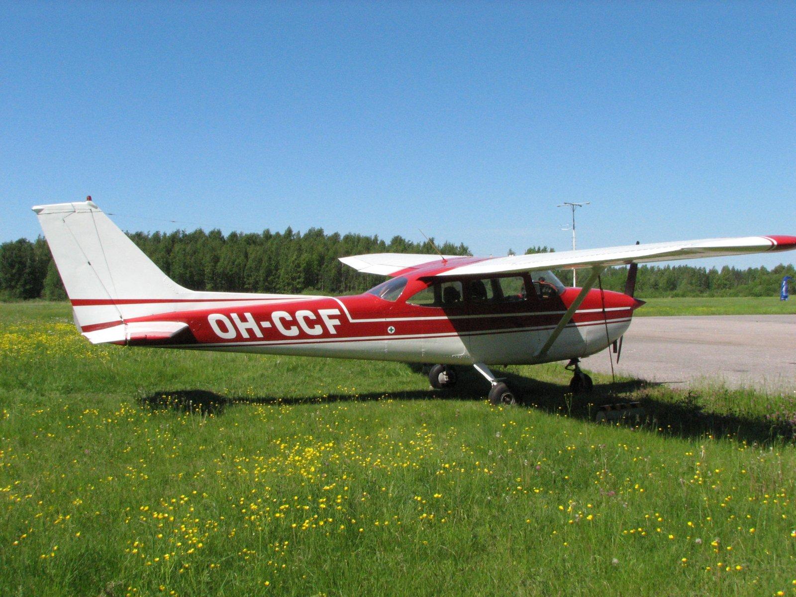 Reims/Cessna F172H OH-CCF EFHN2007