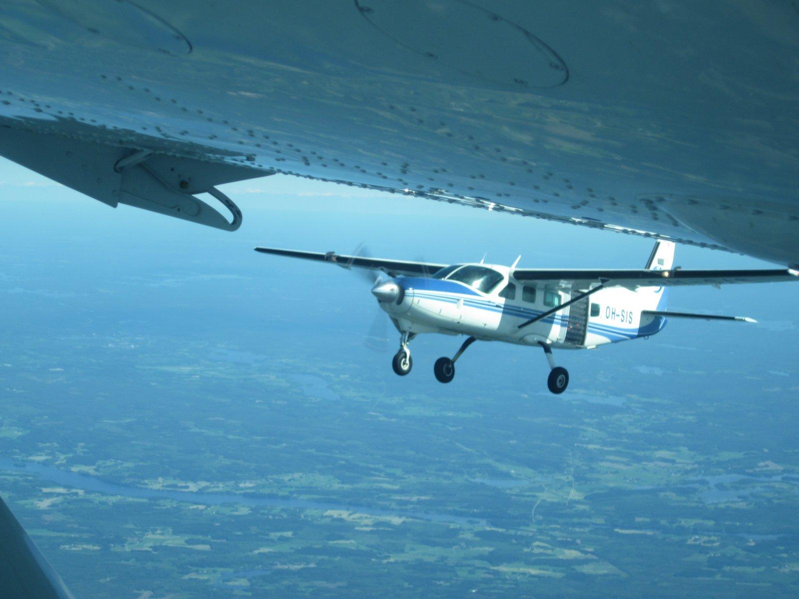 Cessna C208 Caravan OH-SIS EFJM 2012-06-22