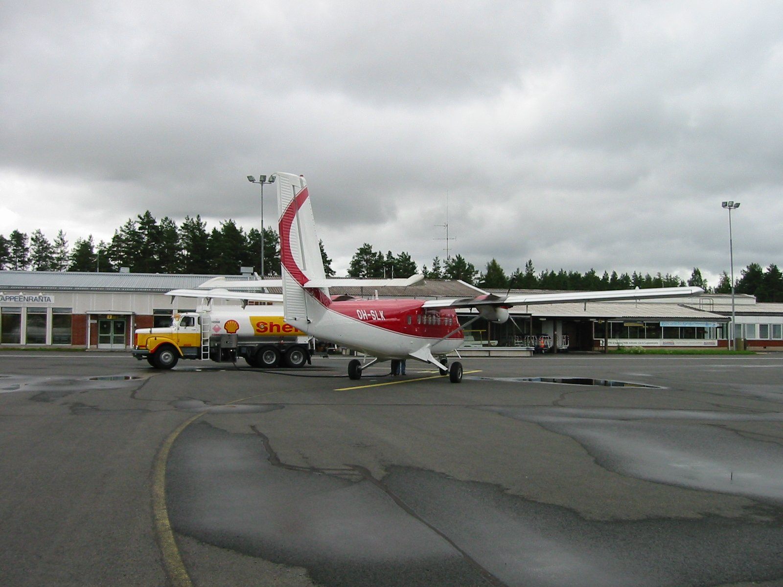 De Havilland Canada DHC-6-300 Twin Otter OH-SLK EFLP 2003-08-08