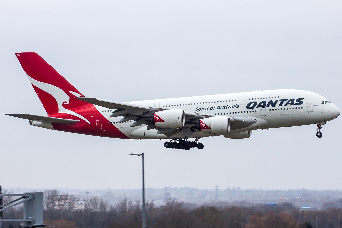 Qantas Airbus A380-842 VH-OQJ