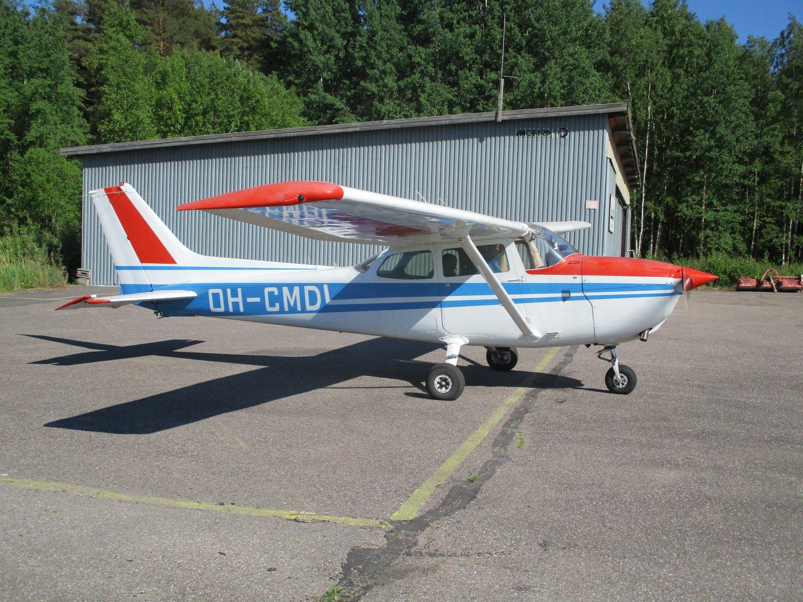 Cessna 172N Skyhawk II OH-CMD EFHN 2018-05-31