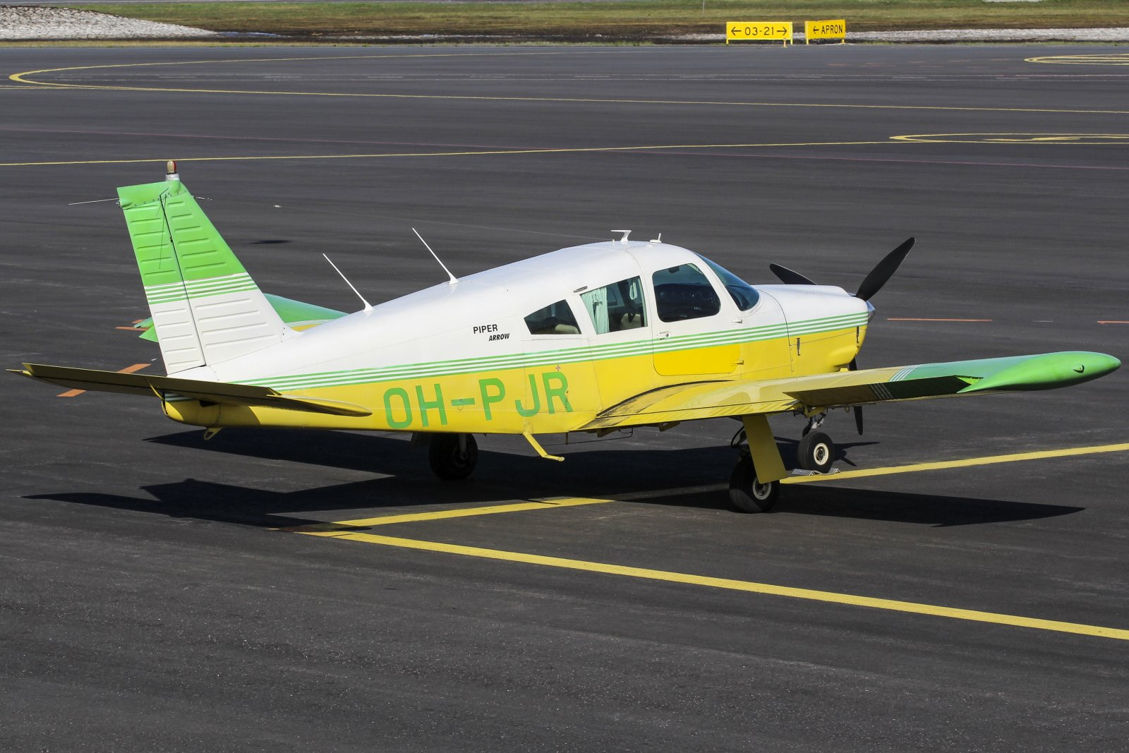 18.5 OH-PJR Piper PA-28R-200 Cherokee Arrow