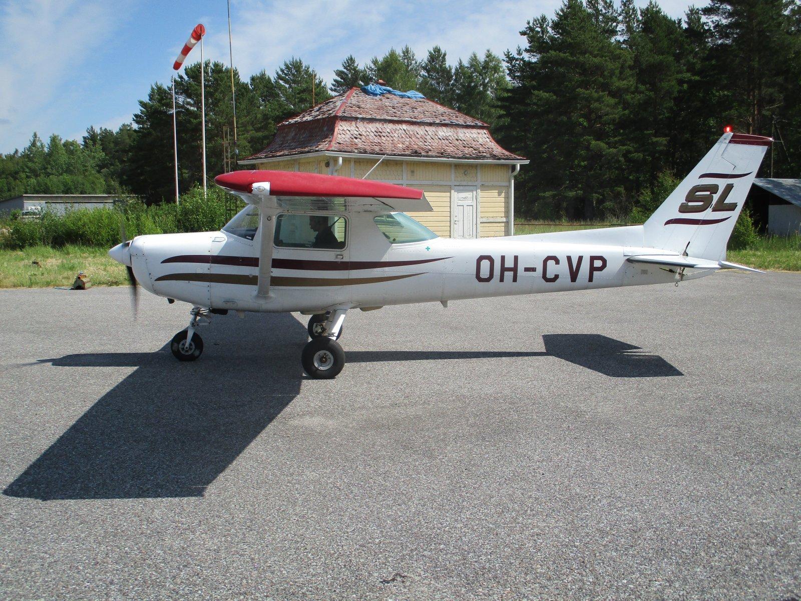 Cessna 152 II OH-CVP EFHN 2018-06-26