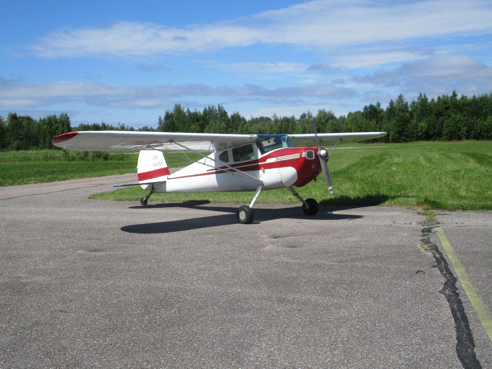 Cessna C140 OH-CSX EFHN 2018-07-05