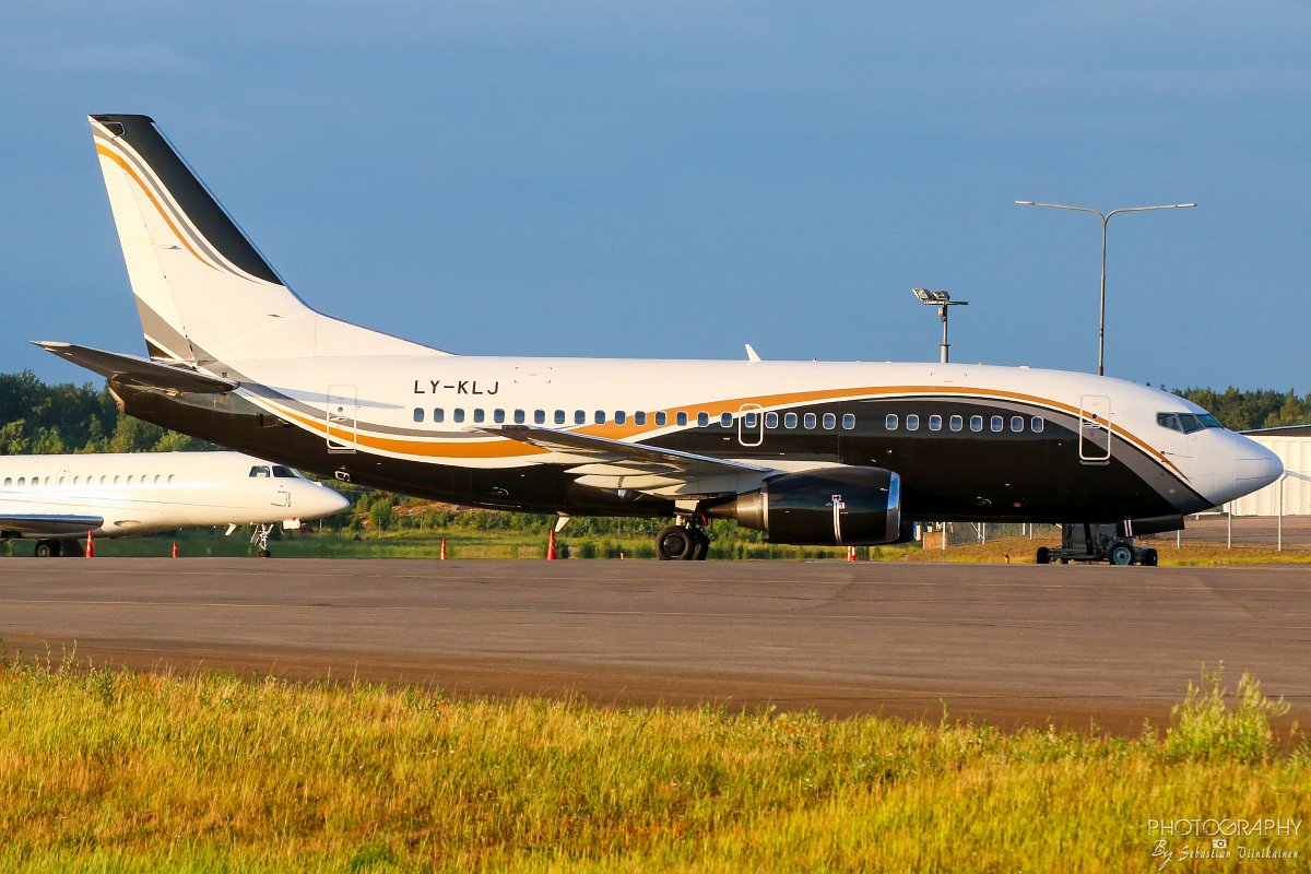 LY-KLJ KlasJet Boeing B737-500
