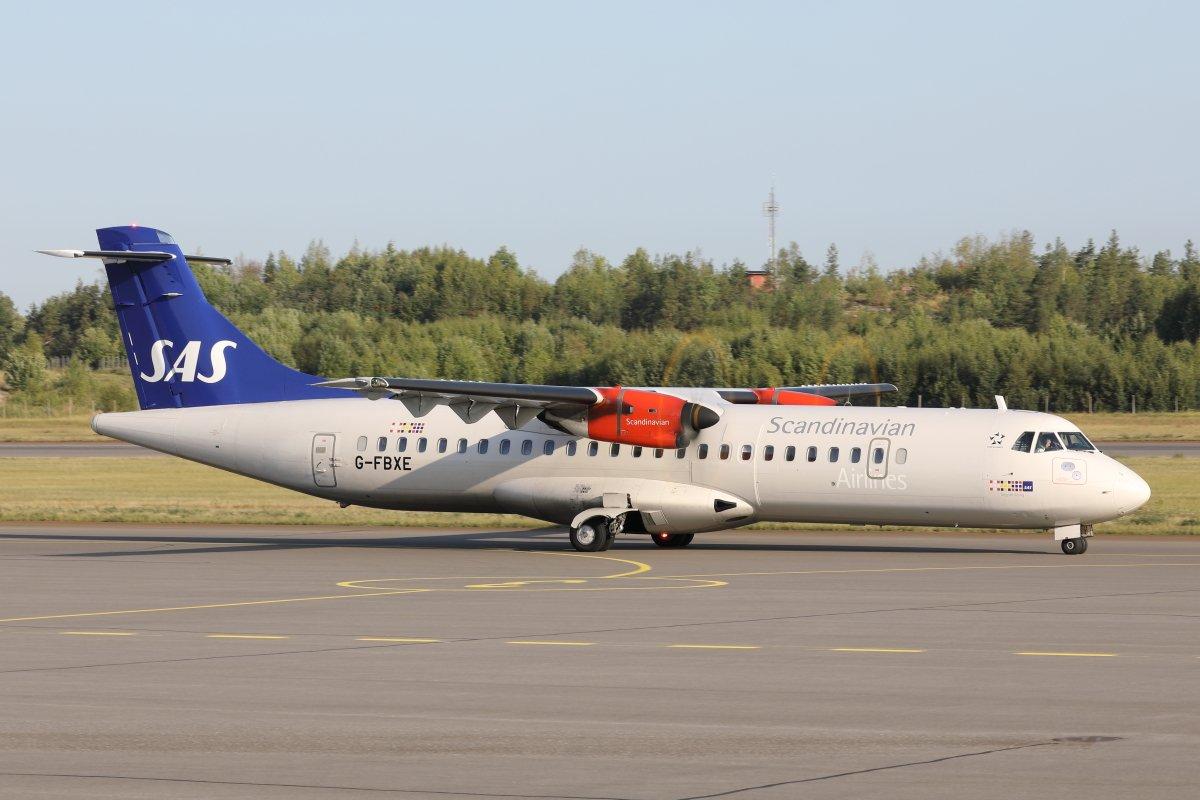 SASin ATR 72 G-FBXE lähdössä kohti Tukholmaa tänään.