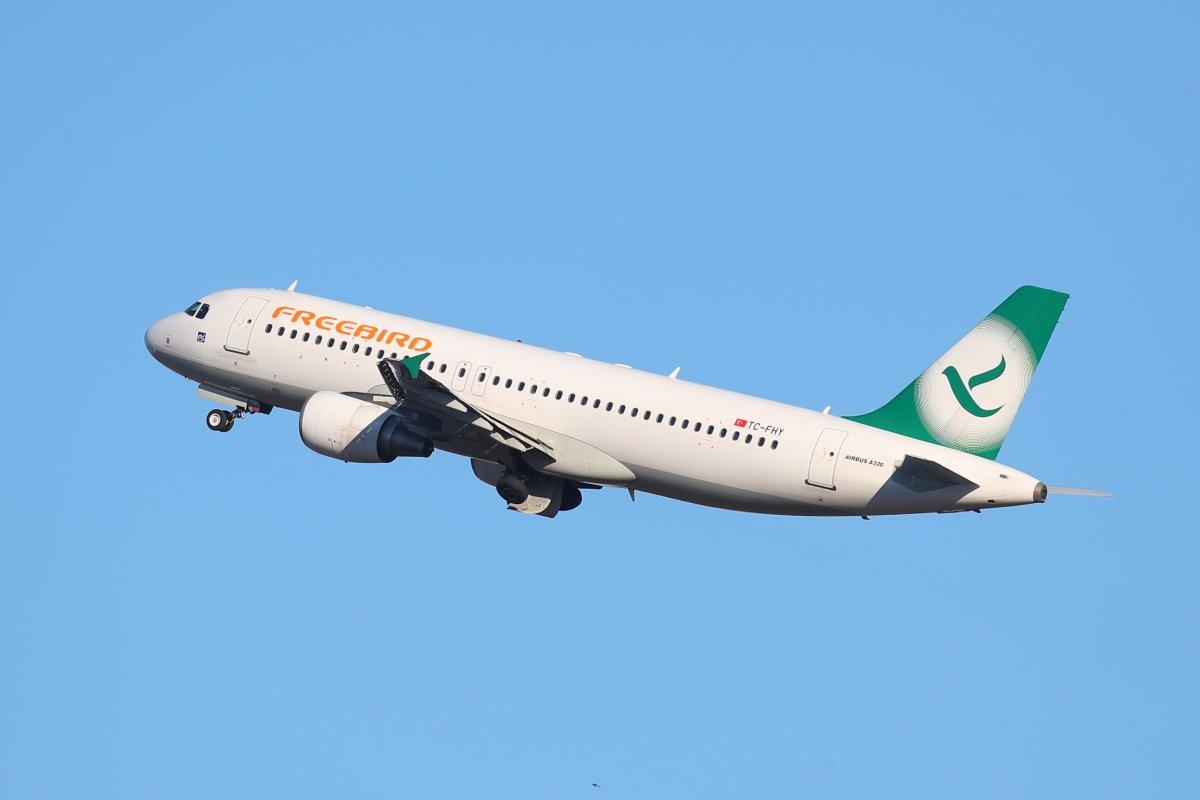 Freebird A320 TC-FHY nousussa 30:lta kohti Luleåta tänään puoliltapäivin.