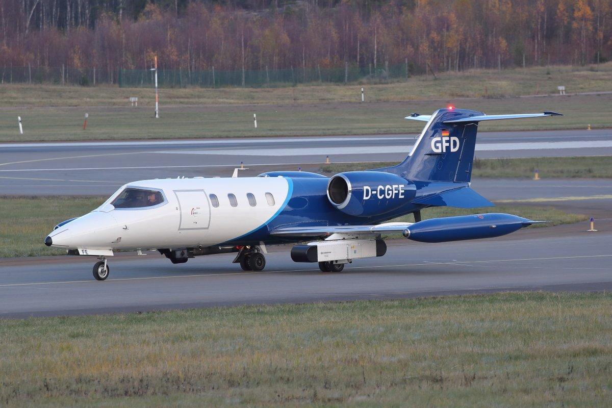 Learjet 35 D-CGFE eilen 29.10. Turussa