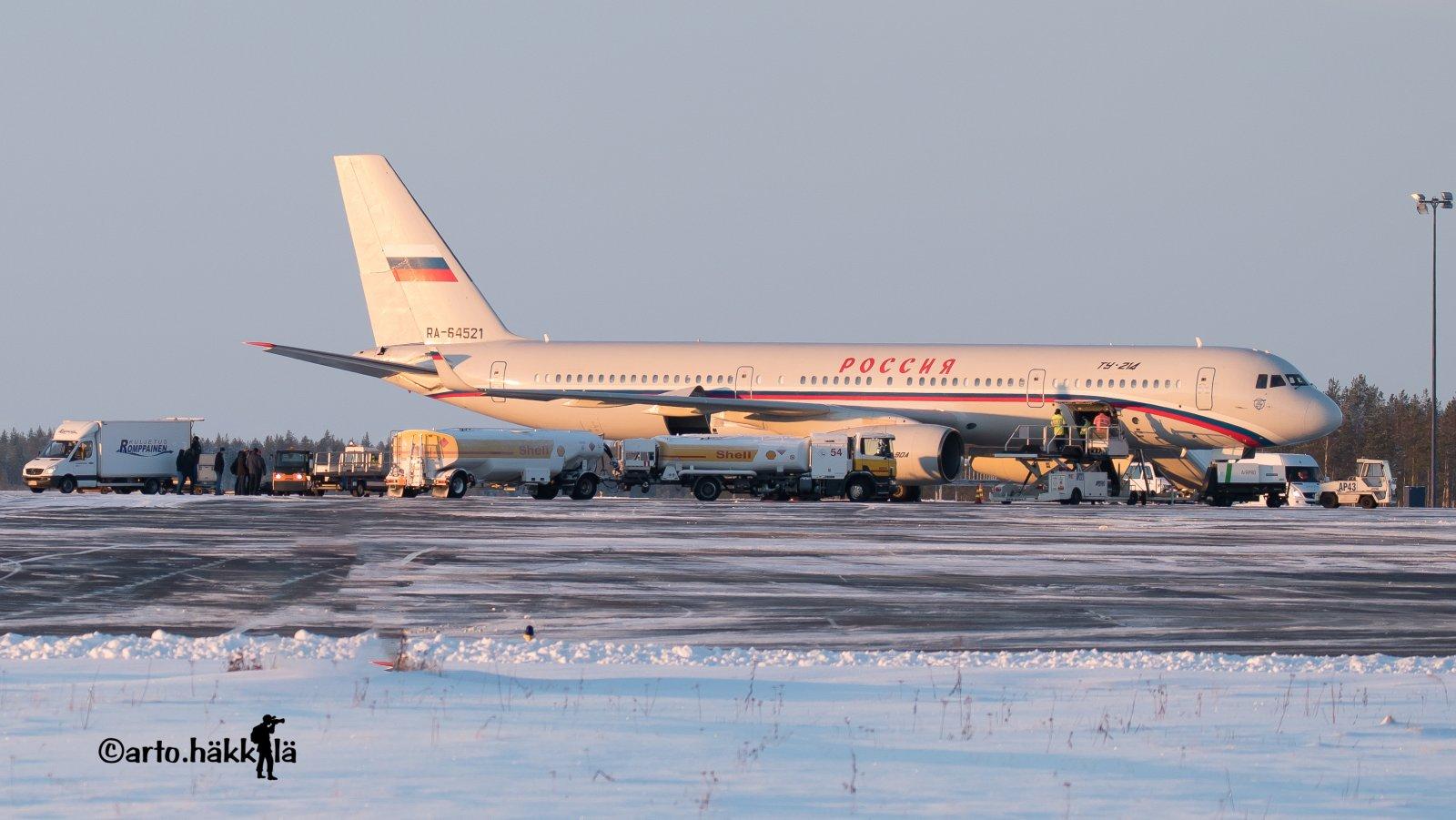RA - 64521 Russian Federation. Dmitri Medvedevin kamppeita tuomassa Ouluun .