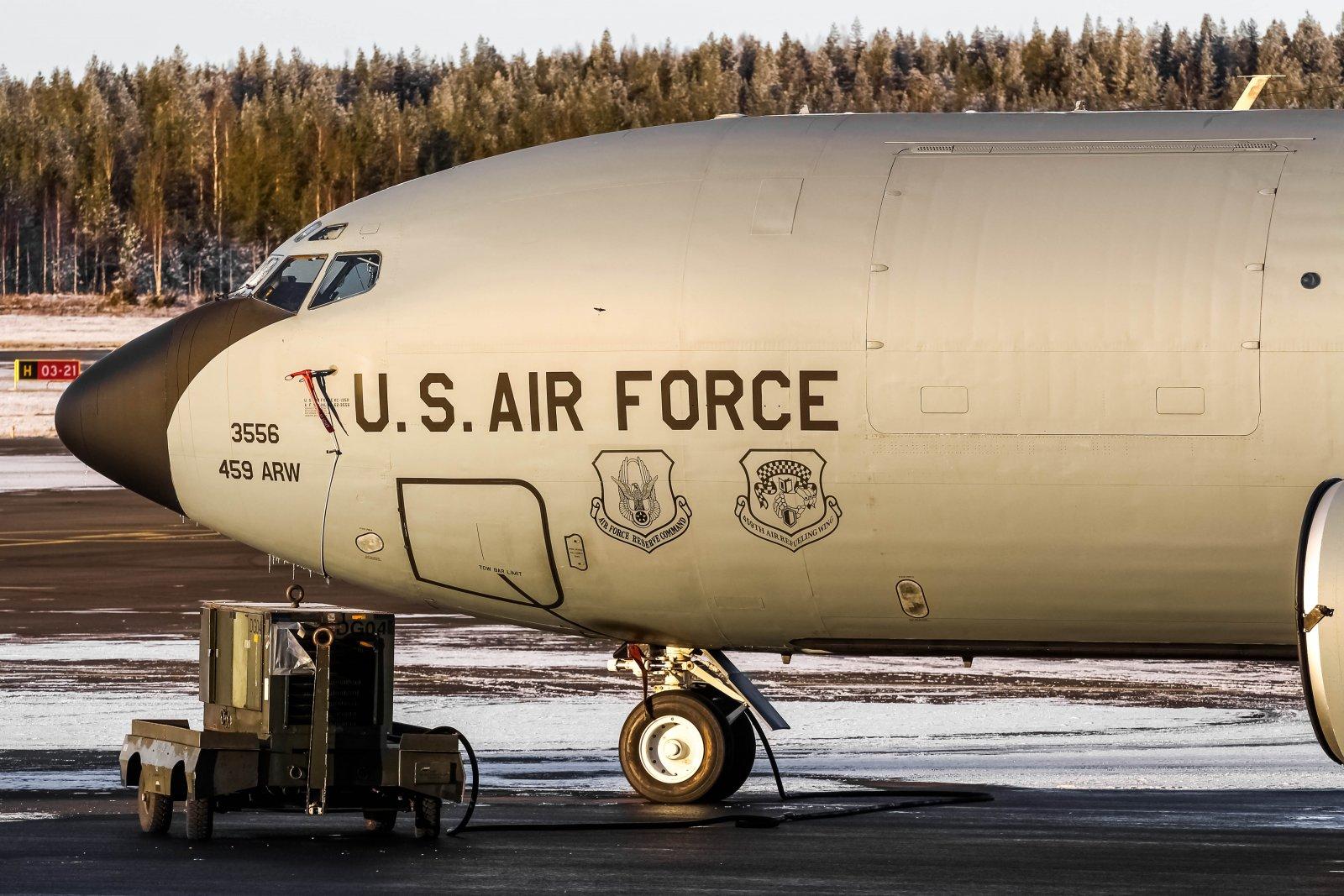 28.10 Boeing KC-135 Stratotanker 62-3556