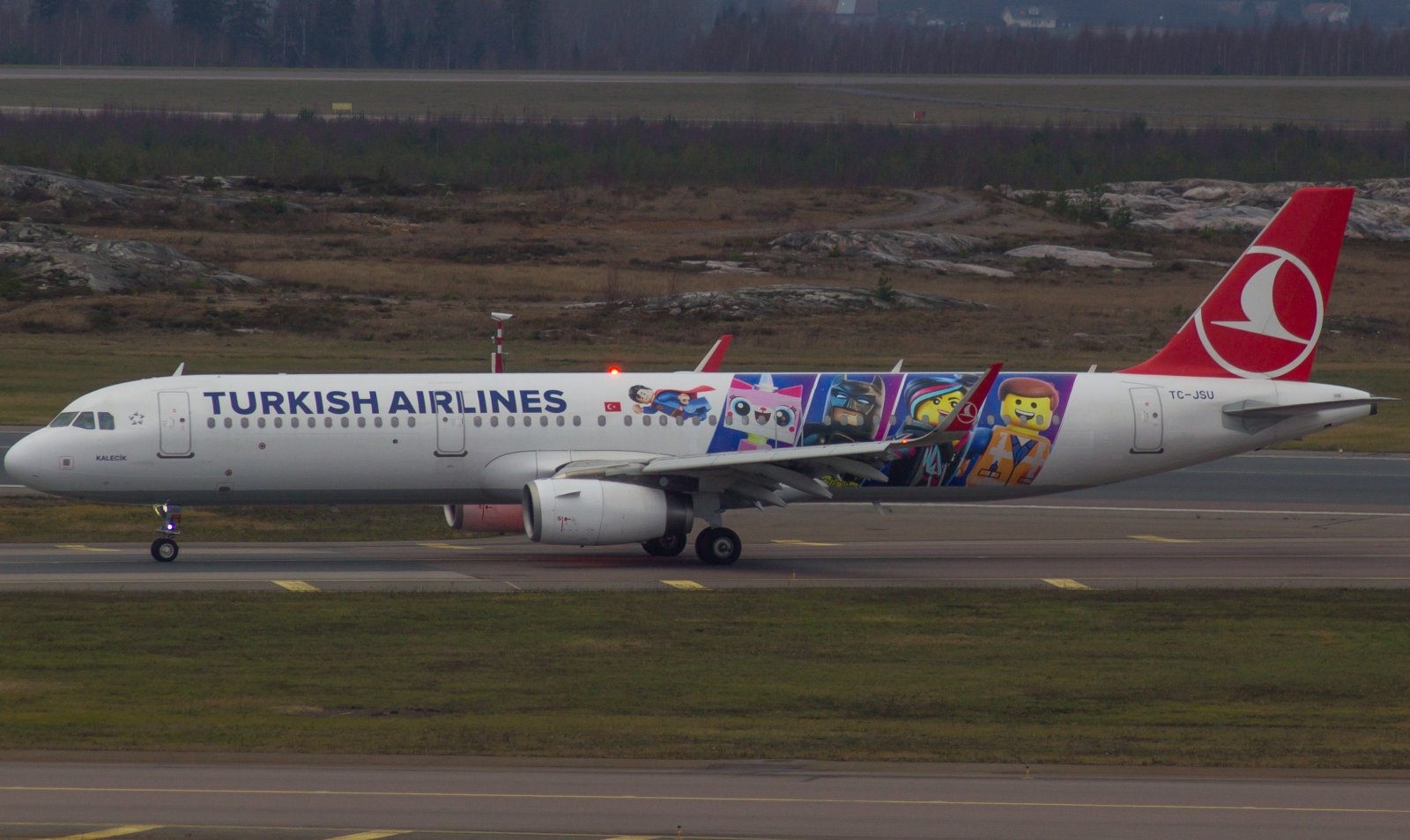 Turkish Airlines ``Lego livery`` TC-JSU