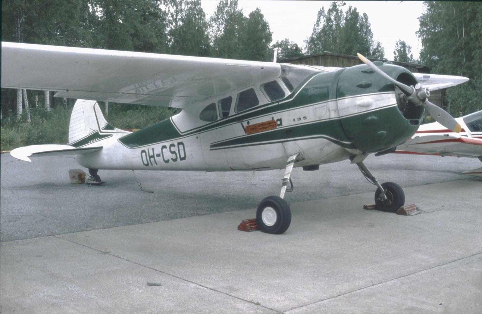 Cessna 195B OH-CSD EFKU 1979-08