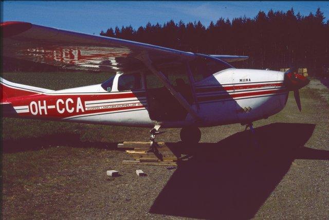 Cessna 182F OH-CCA EFPK 1991-06