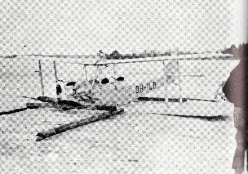 DH Moth OH-ILD Naantali 01041950.jpg