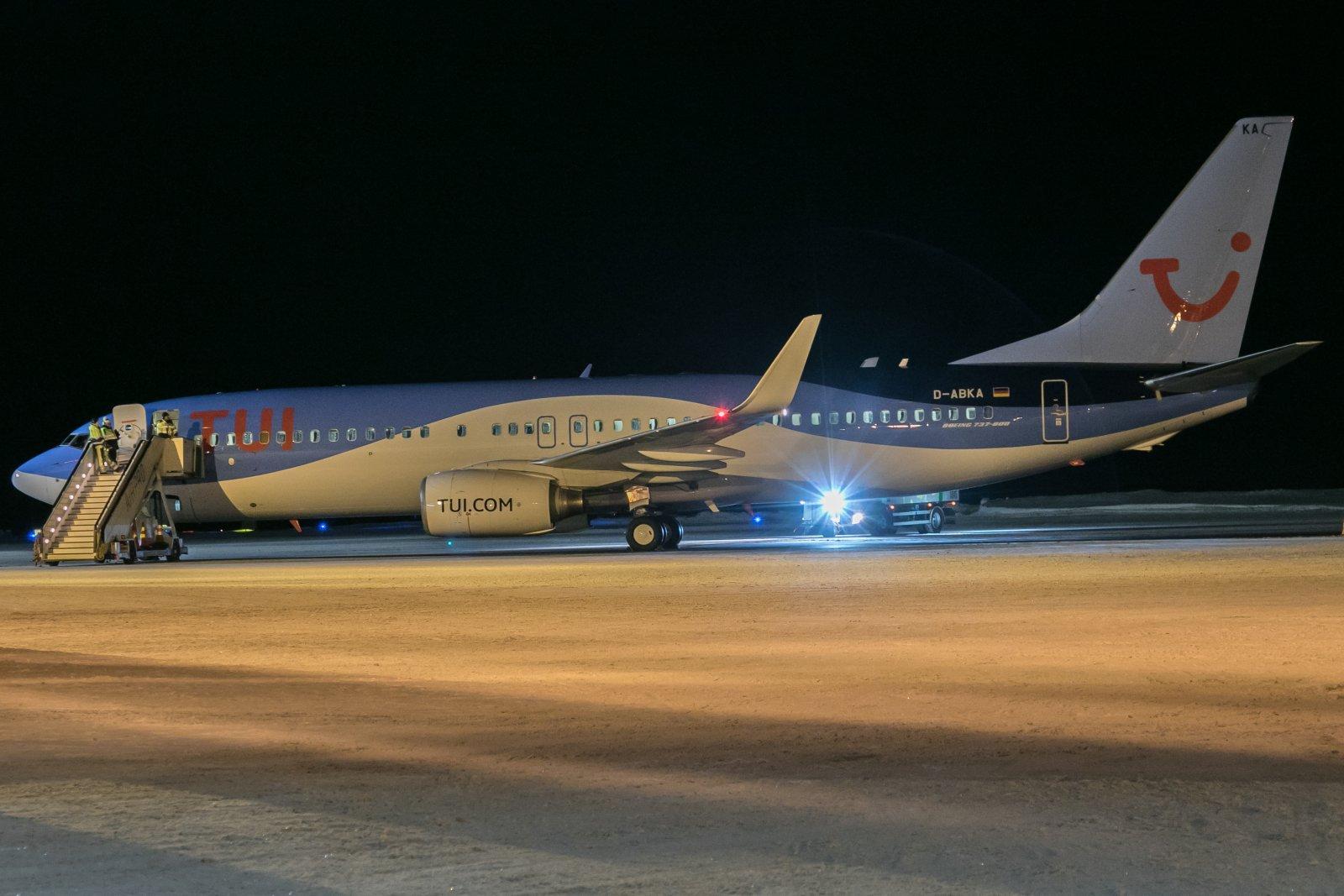 D-ABKA. Valenciasta Ivaloon ja Hannoveriin paluu. 28.12.2018. Boeing 737 82R