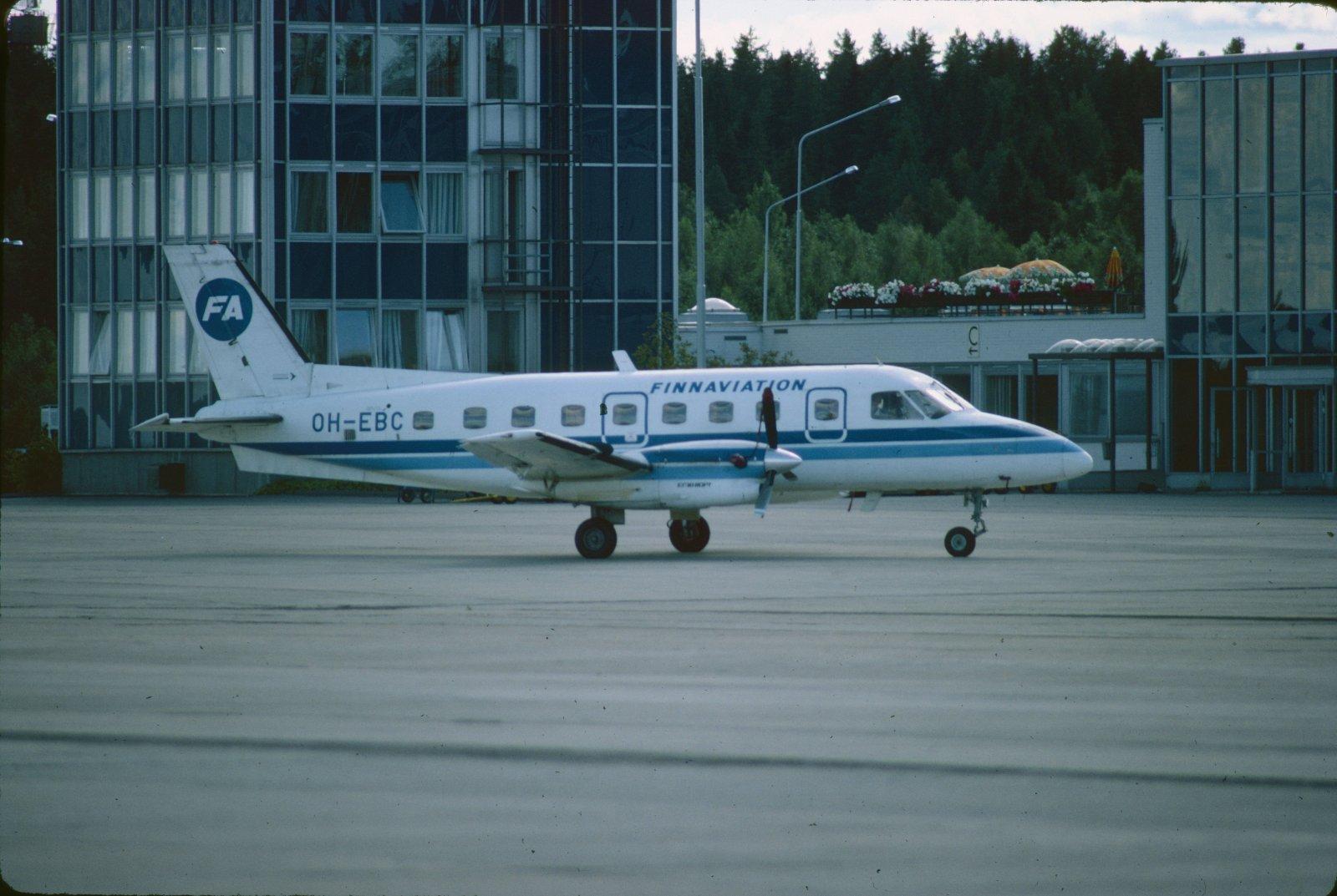 Embraer EMB-110 P.1 Bandeirante OH-EBC EFKU 1983
