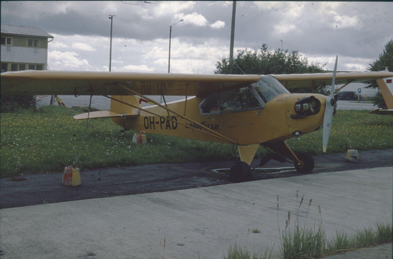 Piper J3C-65 Cub OH-PAD EFKU 1979