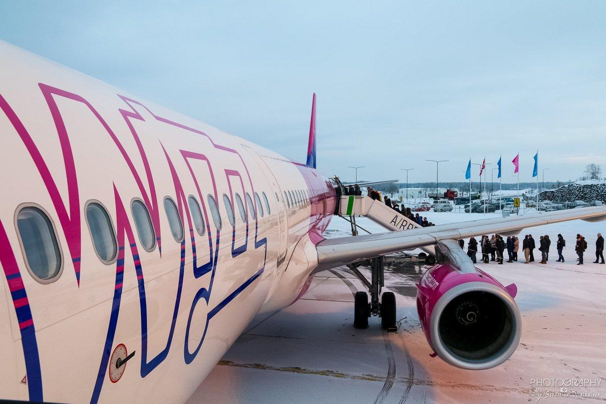 HA-LXM Wizz Air A321-200, 13.12.2018