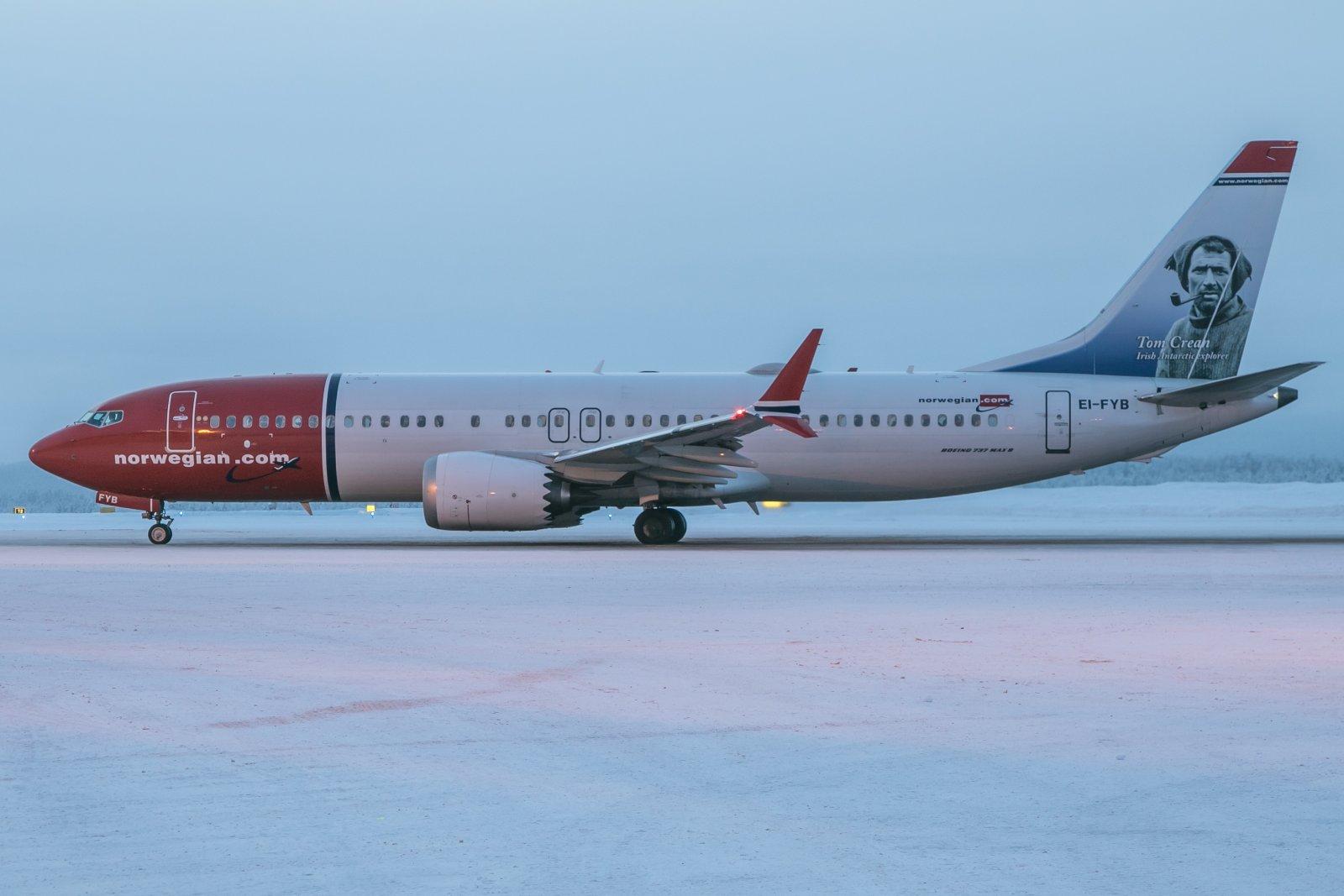 EI-FYB. Boeing 737-MAX 8